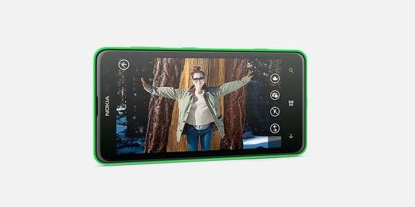 Lumia 625 estará disponível em preto, branco, ou em tons levemente translúcidas de laranja, verde e amarelo