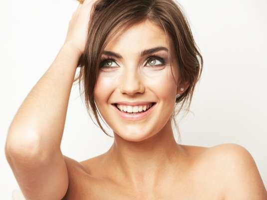 Por meio de dicas simples incorporadas ao dia a dia é possível manter a pele lisinha e saudável