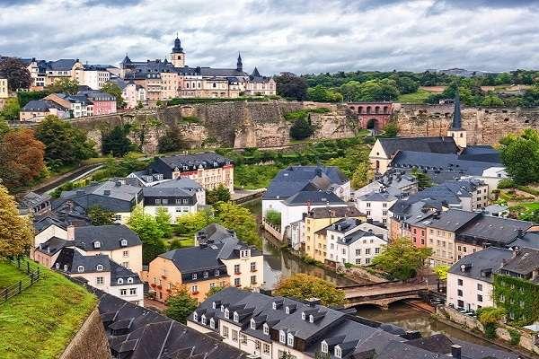 20º Luxemburgo: O Estado soberano europeu subiu 10 posições, com investimento total de US$ 17 bilhões em 2012
