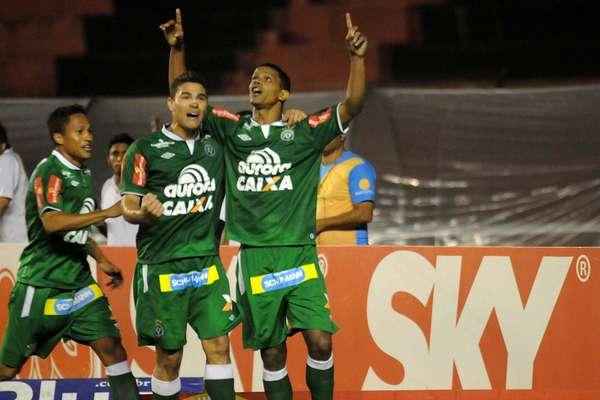Bruno Rangel marcou os dois gols da Chapecoense em virada sobre o Sport