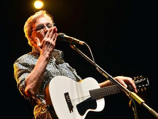 Neste domingo (3), aconteceu em Belo Horizonte, o Festival Natura Musical 2013, na praça da Estação. Caetano Veloso fez o show de encerramento, junto com Trio Preto + 1