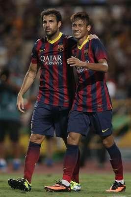 Neymar fez seu primeiro gol com a camisa do Barcelona nesta quarta-feira e iniciou a goleada por 7 a 1 sobre a seleção da Tailândia, em Bangcoc