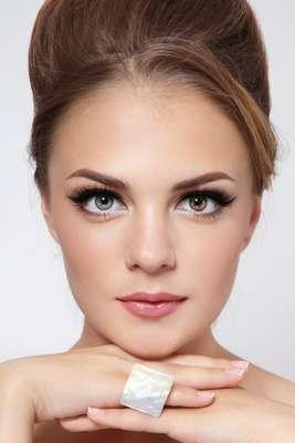 As sobrancelhas são a moldura do rosto e dão acabamento à maquiagem