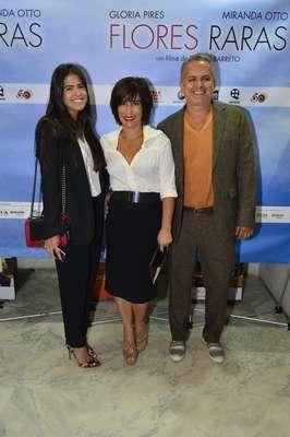 Glória Pires esteve na pré-estreia de seu novo filme, Flores Raras, na noite dessa terça-feira (6), no Rio de Janeiro. A atriz chegou acompanhada de Orlando Morais, e da filha Antonia