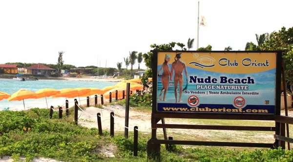 Club Orient, Antillas Francesas. Se ubica en la isla de St. Martin, en la playa de Orient Bay. Disfruta de aguas increíblemente cristalinas y una vegetación exuberante. Ofrece actividades acuáticas, servicios de spa, masajes en la playa, un restaurante tropical y un bar.