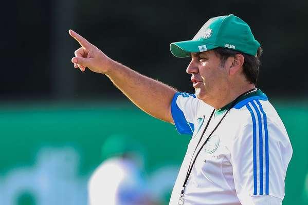 Sem Vinícius, o técnico Gilson Kleina poderá manter Ananias entre os titulares e repetir o esquema com três atacantes usado na vitória por 2 a 1 sobre o São Caetano na terça-feira