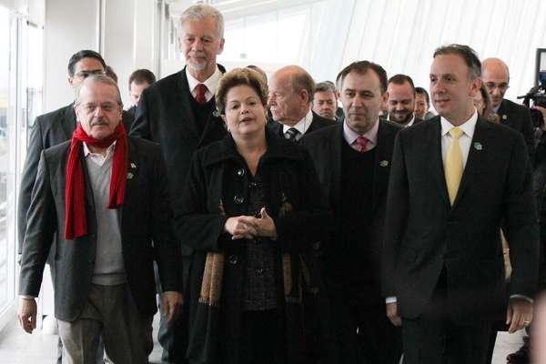 A presidente Dilma Rousseff participou da cerimônia de inauguração do primeiro aeromóvel do País