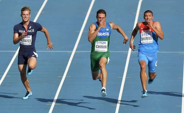 Brasileiro Carlos Chinin venceu sua bateria na prova dos 100m do decatlo masculino