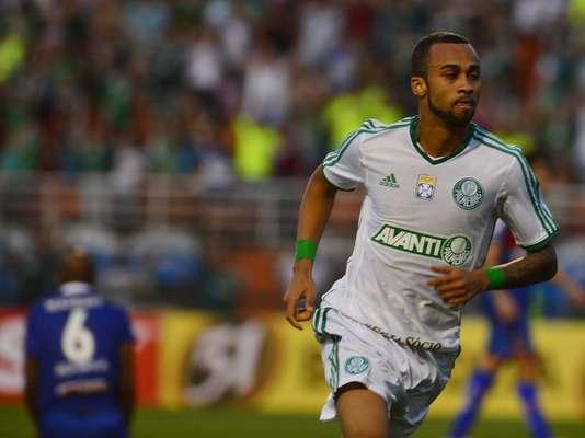 Wesley comemora depois de fazer o gol da vitória do Palmeiras sobre o Paraná; volante pode deixar a equipe alviverde