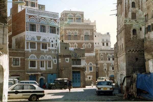 Iêmen: destino situado na região conhecida como Chifre da África, o Iêmen é um local inseguro conhecido por abrigar piratas em seu litoral e terroristas da Al Qaeda em seu território. Mas além das notícias ligadas à violência e problemas, o país tem algumas maravilhas como o incrível arquipélago de Socotra e a capital Sanaa, ambos listados no Patrimônio Mundial da UNESCO