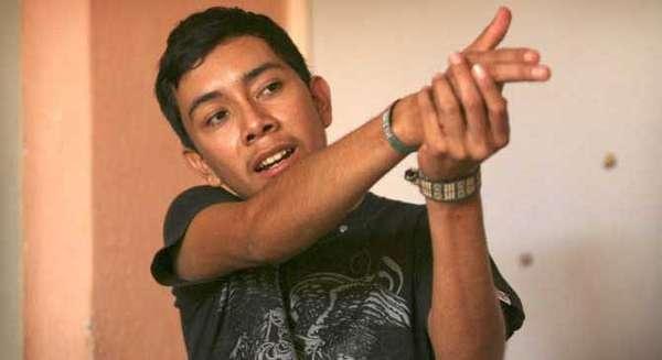 Estudios dicen que una de las aspiraciones de los jóvenes mexicanos es ser narcos. ¿El motivo? Ganar dinero fácil a raudales a tan temprana edad.