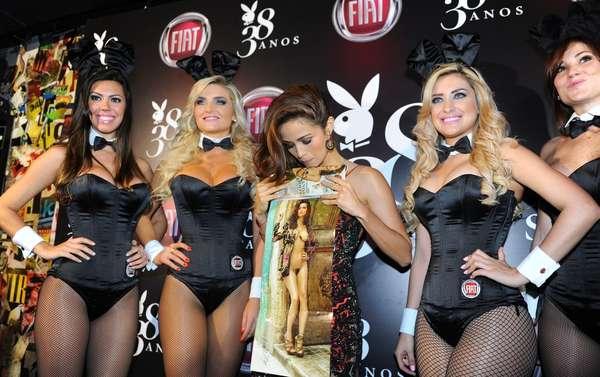 Nanda Costa prestigiou a festa dada pela Playboy nesta terça-feira (13); a atriz global estampa a capa da edição de agosto da revista, que comemora 38 anos