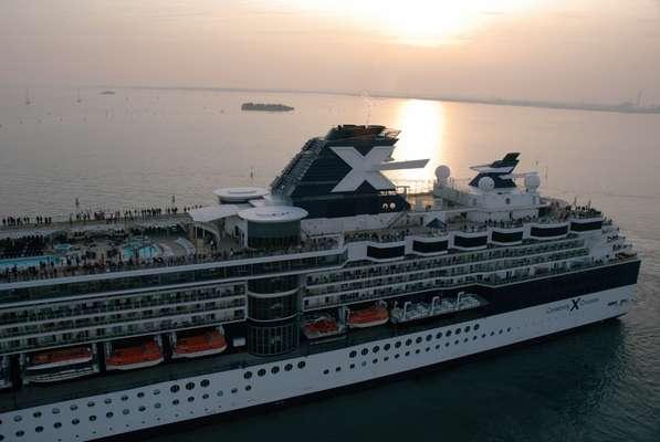 Comunicar-se com pessoas de outras nacionalidades nos cruzeiros da Celebrity Cruises ficará mais fácil. A empresa lançou o app Cruise Lingo, para smartphones e tablets, que ajuda na tradução de frases e expressões