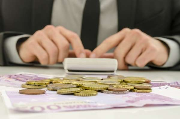 Com mais burocracia, uma empresa precisa acumular mais capital de giro