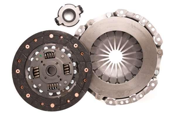 Kit de embreagem é formado por platô (peça maior), disco (peça intermediária) e rolamento ou colar (peça menor)