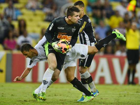 Goleiro: Victor (Atlético-MG)