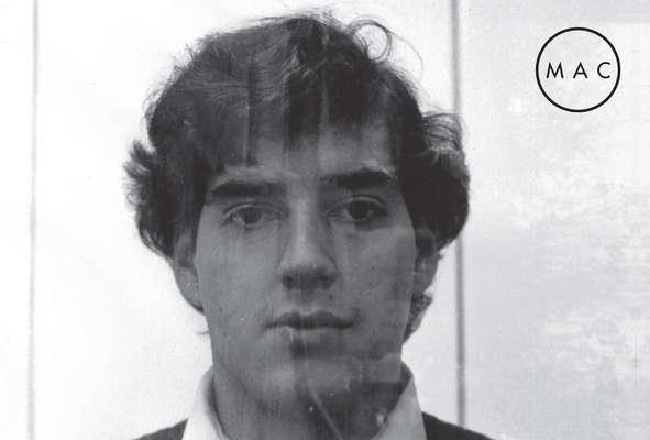 """La obra del fotógrafo Rodrigo Rojas De Negri serán exhibidas en una sala del MAC. El joven murió tras cuatro días de agonía tras ser quemado vivo junto a Carmen Gloria Quintana por una patrulla militar en 1986, en el denominado """"Caso Quemados""""."""