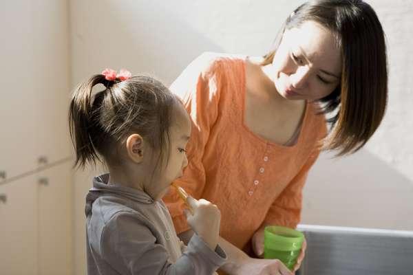 Ya se sabe que la buena higiene bucal está íntimamente ligada con los hábitos que son pasados de los padres para los hijos