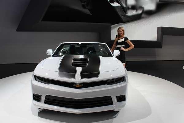A Chevrolet fez durante o salão do automóvel de Frankfurt a estreia mundial do Camaro conversível