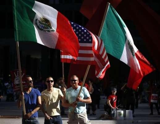 Antes de la década de 1980, el crecimiento en la población mexicana en Estados unidos provino principalmente de los mexicanos que nacieron en este país, pero, entre 1980 y 2000, ese crecimiento se atribuyó más a la emigración desde México.