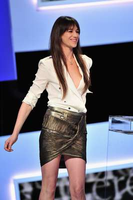 Charlotte Gainsbourg no sólo es una renombrada cantante. La también actriz es copiada por legiones de fans, que ven en sus frescos y originales looks un modelo a seguir.