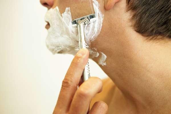 1. Lave o rosto antes de começar a fazer a barba