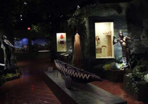 A sociedade porto-riquenha foi formada pela fusão das culturas nativa representada principalmente pelos índios tainos , espanhola e africana. E o melhor lugar para se conhecer um pouco desta história é o Museu das Américas de San Juan