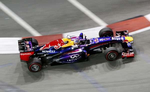 Sebastian Vettel terminou o primeiro dia de treinos livres como o mais rápido, graças ao tempo de 1min44s249
