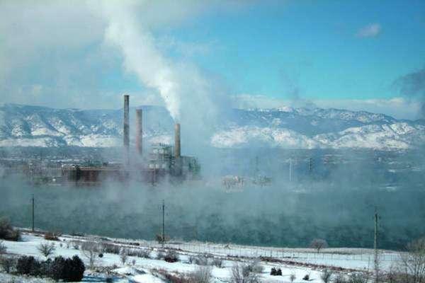 Vinculando el calentamiento global, con la salud pública y los fenómenos climáticos extremos, el gobierno de Barack Obama irá por fuertes exigencias para limitar la contaminación de carbono de las nuevas plantas de generación eléctrica, pese a protestas de la industria y legisladores aliados que dicen que dañaría el futuro de la industria carbonera.