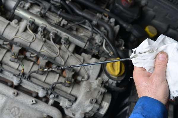 Excesso De Oleo Pode Provocar Vazamentos No Motor