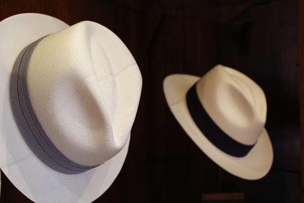 O chapéu do Panamá é feito a partir da palha toquillla, retirada de uma palmeira nativa do Equador; acessório é conhecido mundialmente