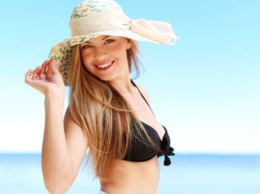 Para chegar ao verão com a cor em dia, vale apostar em alimentos ricos em betacaroteno, que aumentam a produção de pigmento e protegem a pele