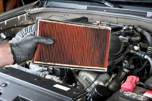 Sujeira no filtro de ar pode aumentar o consumo de combustível