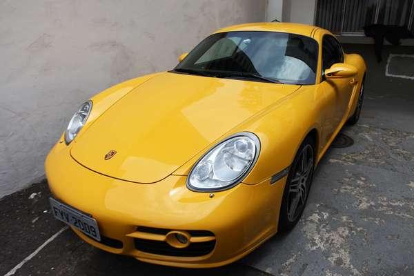 Porsche Cayman está entre os veículos apreendidos em operação do MP