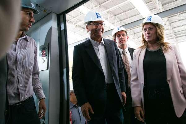 Alckmin vistoria primeiro trem do monotrilho de São Paulo