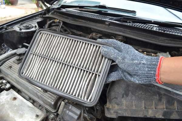 Responsável por filtrar o ar que entra no motor para a combustão, o filtro pode aumentar o consumo de combustível