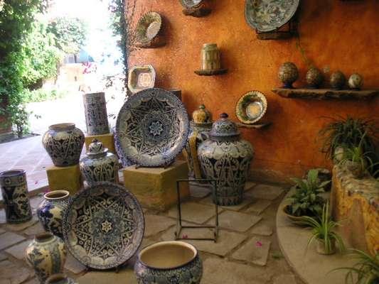 A talavera de Puebla, uma técnica de trabalho em cerâmica típica dessa região do México, rendeu ao município o título de Cidade dos Azulejos e garantiu fama internacional à produção dos ateliês locais
