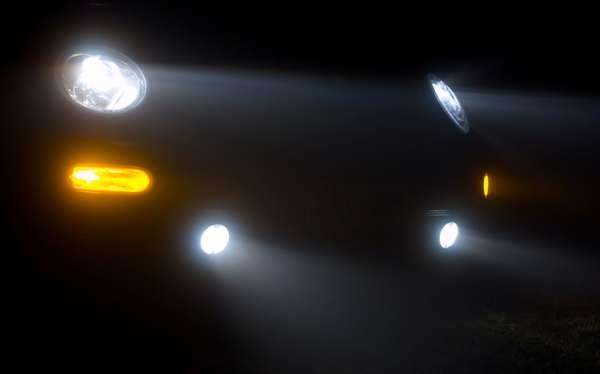 O assistente de luz dinâmico, o DLA, oferece melhor visibilidade ao condutor ao entardecer e no escuro