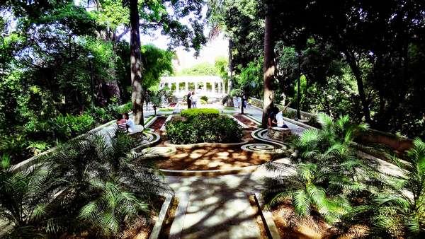 Uma das principais áreas de lazer e cultura de Caracas, o Parque Ezequiel Zamora atrai milhares de visitantes com suas atrações variadas