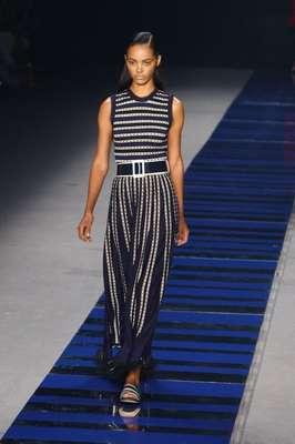 A Coven foi um dos destaques desta sexta-feira (08) no Fashion Rio; a grife apresentou uma coleção inspirada no guarda-roupa masculino e nos uniformes escolares