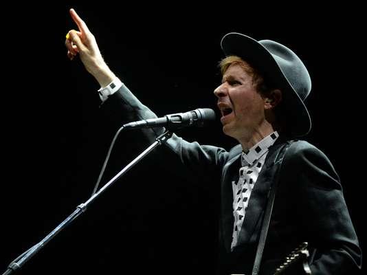De volta ao Brasil após cerca de 10 ano, Beck se apresentou no Planeta Terra 2013, neste sábado