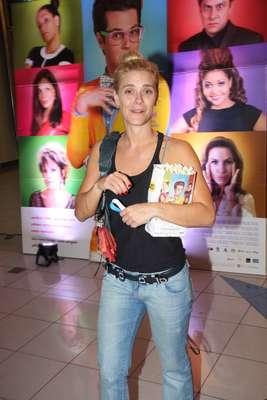 Marcelo Serrado recebeu famosos na pré-estreia de seu novo filme, 'Crô', no Rio de Janeiro. Na foto, Carolina Dieckmann
