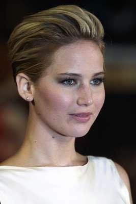 O elenco de 'Jogos Vorazes: Em Chamas' lançou o filme na Leicester Square, em Londres, nessa segunda-feira (11). Na foto, Jennifer Lawrence