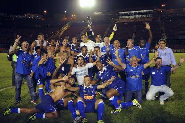Não há mais constestações: até matematicamente o Cruzeiro já está decretado como campeão brasileiro de 2013. O tricampeonato veio com quatro rodadas de antecedência, na noite em que o time bateu o Vitória por 3 a 1