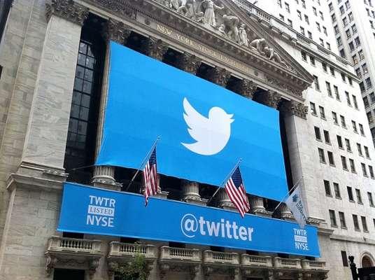 Brasileiros também podem adquirir ações do Twitter, à venda desde 7 de novembro, com IPO de US$ 26 e 70 milhões de papéis vendidos no primeiro dia