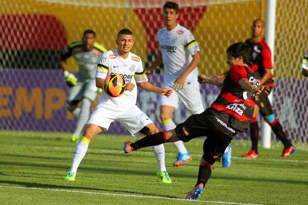 Vitória e Santos se enfrentaram em Salvador, no Estádio Barradão