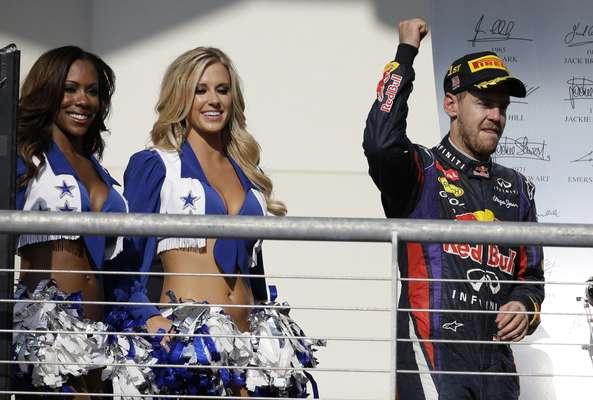 Sebastian Vettel faz história, vence Grande Prêmio dos Estados Unidos no Circuito das Américas e conquista oitava vitória consecutiva; confira imagens