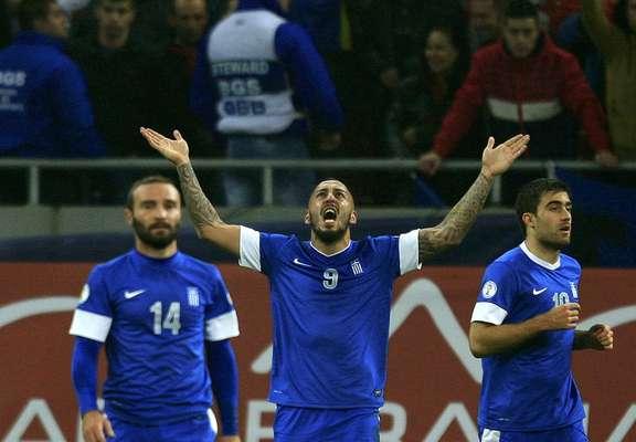 A Grécia soube se defender contra a Romênia e, com o empate por 1 a 1, avançou para a Copa do Mundo de 2014. O primeiro jogo tinha terminado 3 a 1 para os gregos