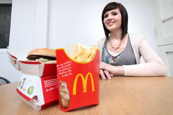Jo Thompson sofreu com uma severa anorexia por quase toda a adolescência, mas superou a doença depois de conseguir um trabalho no McDonald's