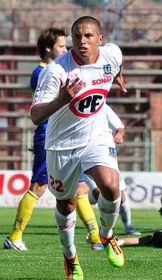 LEANDRO BENEGAS: El ariete argentino, de 25 años, logró superar lesiones y a punta de goles se hizo un nombre en Unión La Calera. Su buena campaña le da chances de recalar en Universidad Católica.